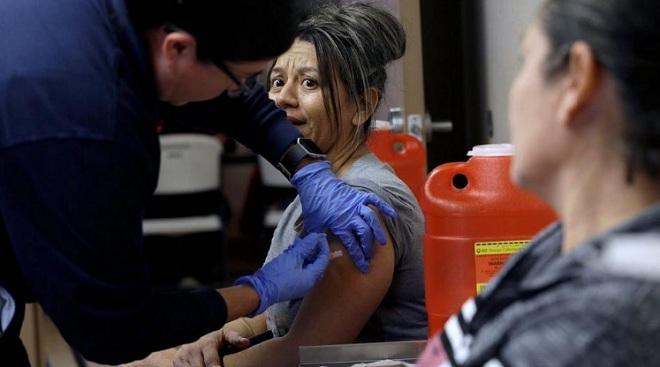 Cúm mùa khiến 6.600 người chết ở Mỹ trong vài tháng: Vì sao dân Mỹ thờ ơ hơn virus Corona? - 2