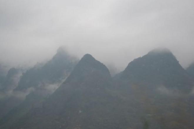 'Ngẩn ngơ' với vẻ đẹp Hà Giang chìm đắm trong sương mờ - 1