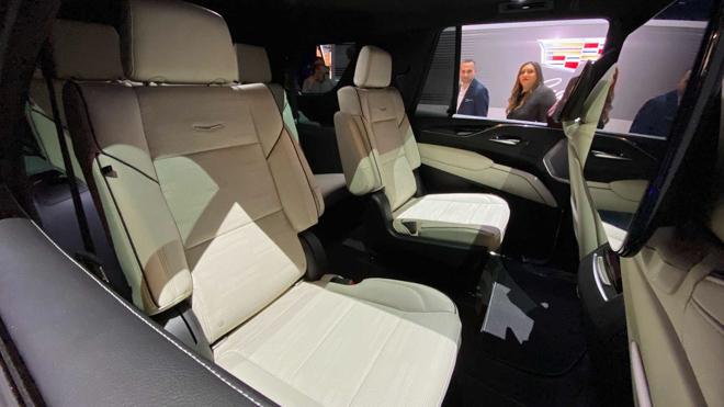 Cadillac giới thiệu dòng SUV cỡ lớn Escalade thế hệ mới tại Mỹ - 14