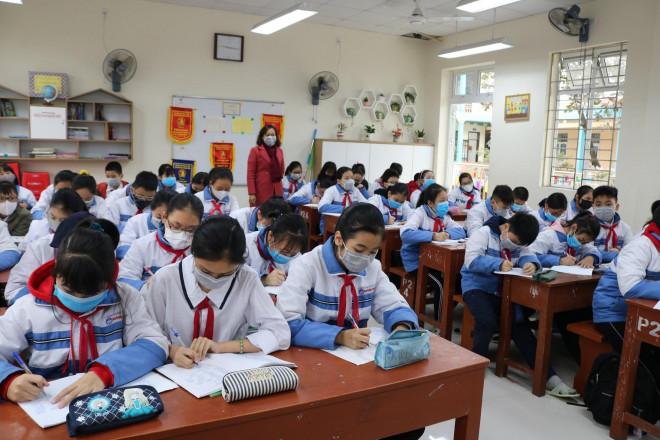 Gần 2 triệu học sinh TP.HCM nghỉ học thêm 1 tuần để phòng virus Corona