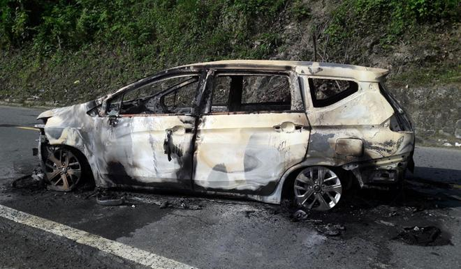 Xác định danh tính 2 người tử vong trong ôtô bất ngờ bốc cháy