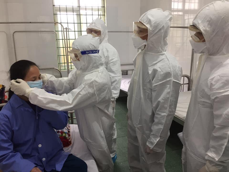 Virus Corona: Số người tử vong tăng lên 635