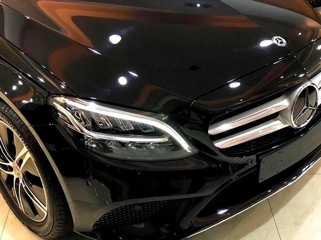 Mercedes-Benz C180 sắp ra mắt thị trường Việt Nam, giá bán dự kiến 1,3 tỷ đồng - 2