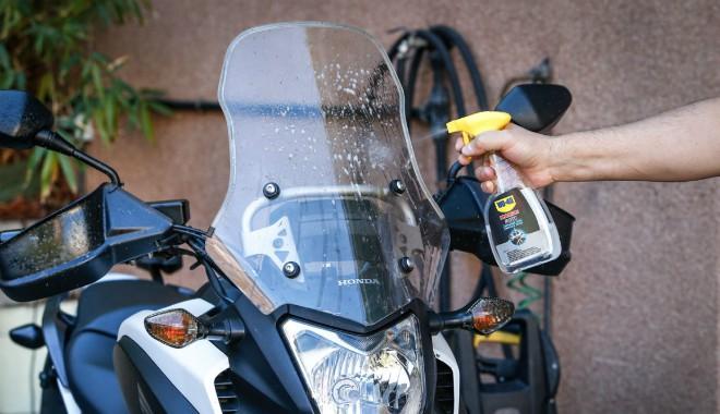Tay nắm xe máy - nơi có nguy cơ lây lan virus Corona và cách vệ sinh - 2