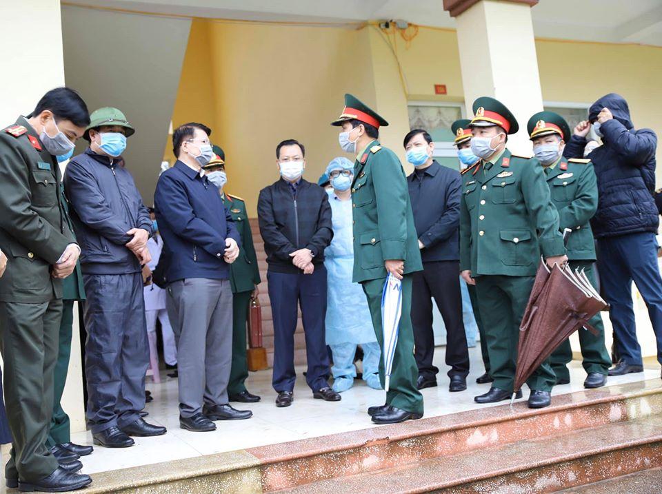 Lào Cai: Cách ly 216 người Việt Nam trở về từ Trung Quốc