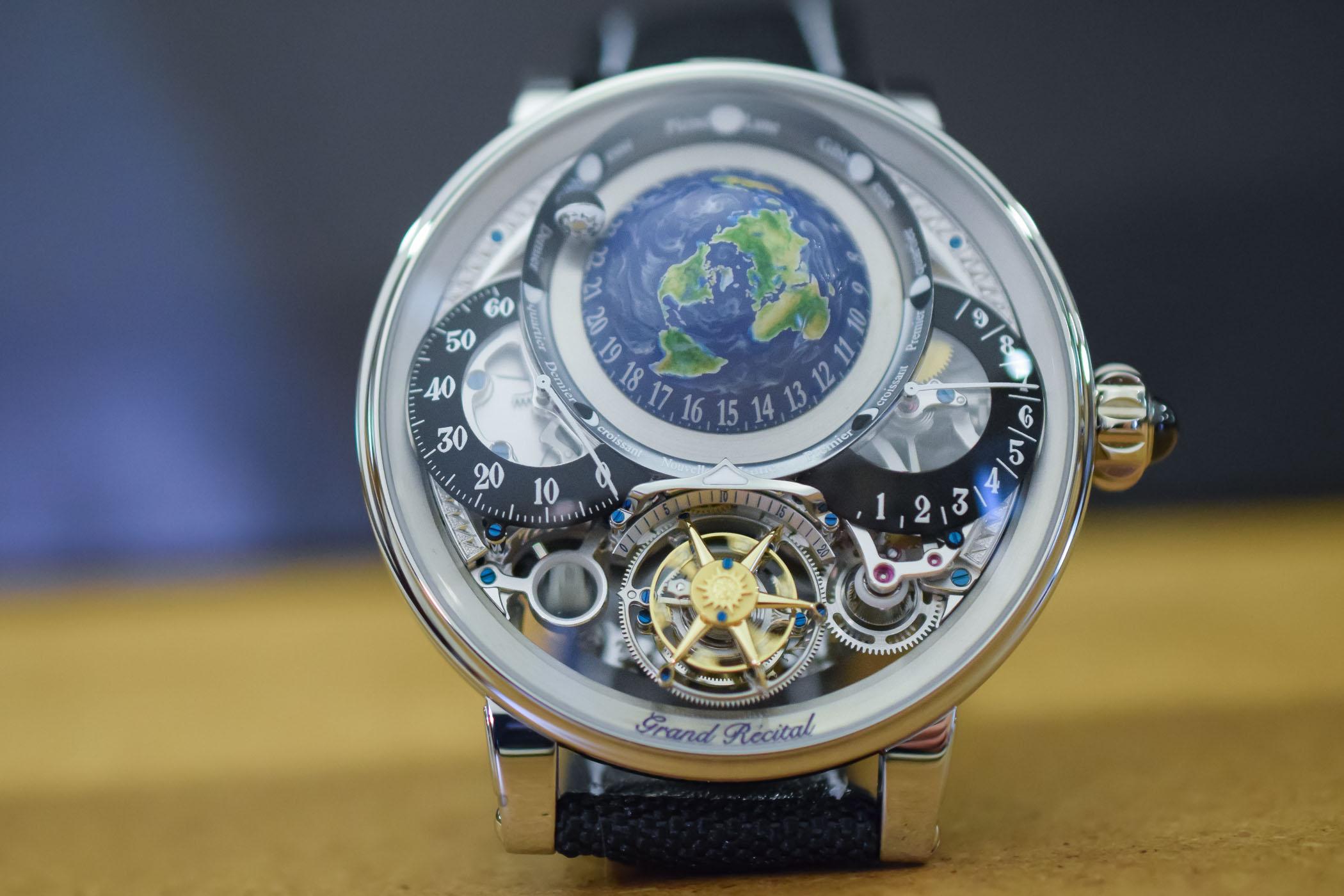 """Những điều bất ngờ về chiếc đồng hồ """"nhỏ mà có võ"""", giá hơn chục tỷ đồng - 1"""