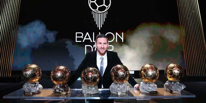 Ronaldo săn QBV thứ 6: Số 1 thế giới, ăn đứt Messi kể từ khi...thua Messi