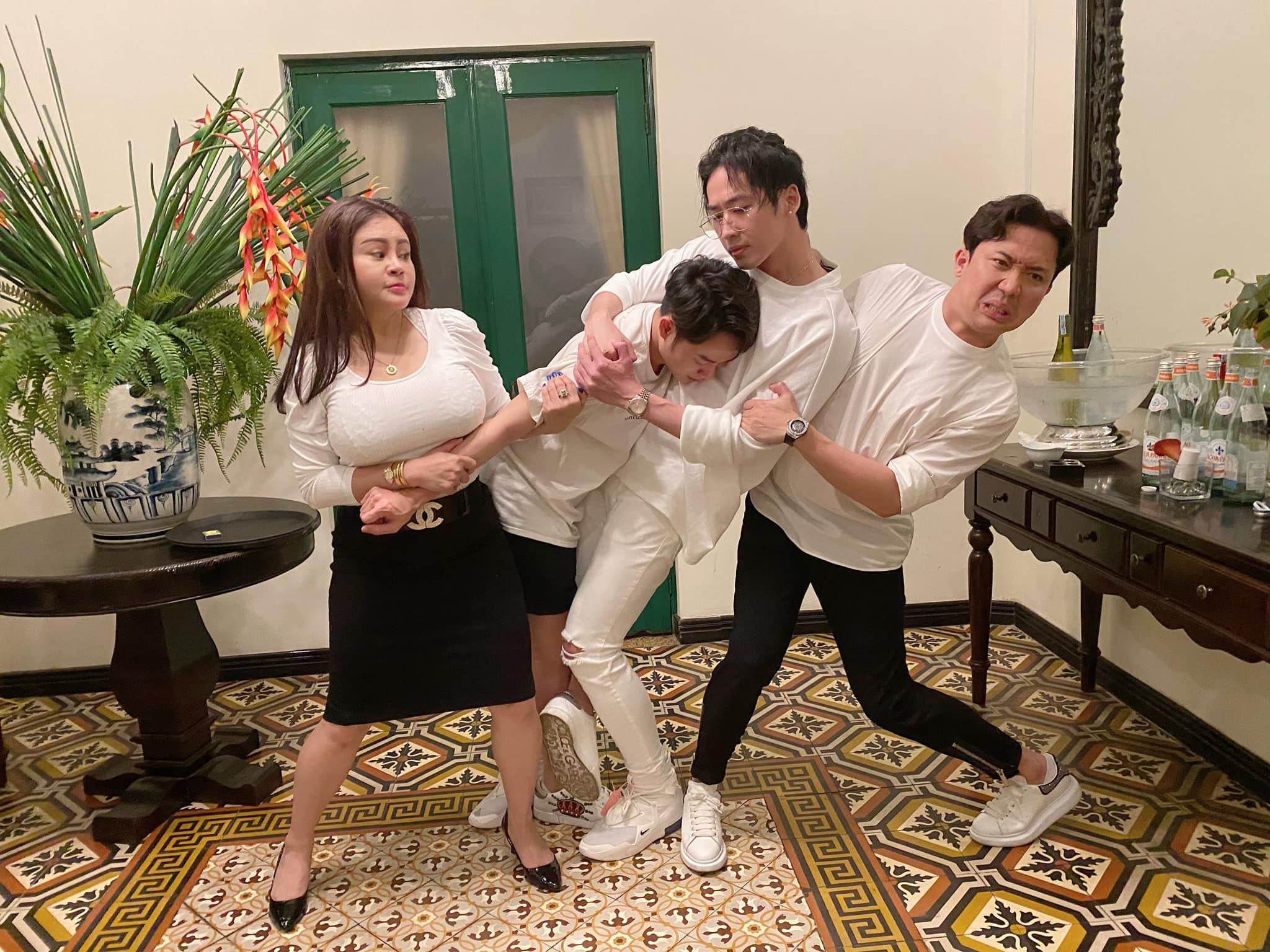 """Dự sinh nhật Trấn Thành, nữ danh hài được Hoài Linh đòi cưới """"chiếm sóng"""" vì vòng 1 quá """"khủng"""" - 1"""