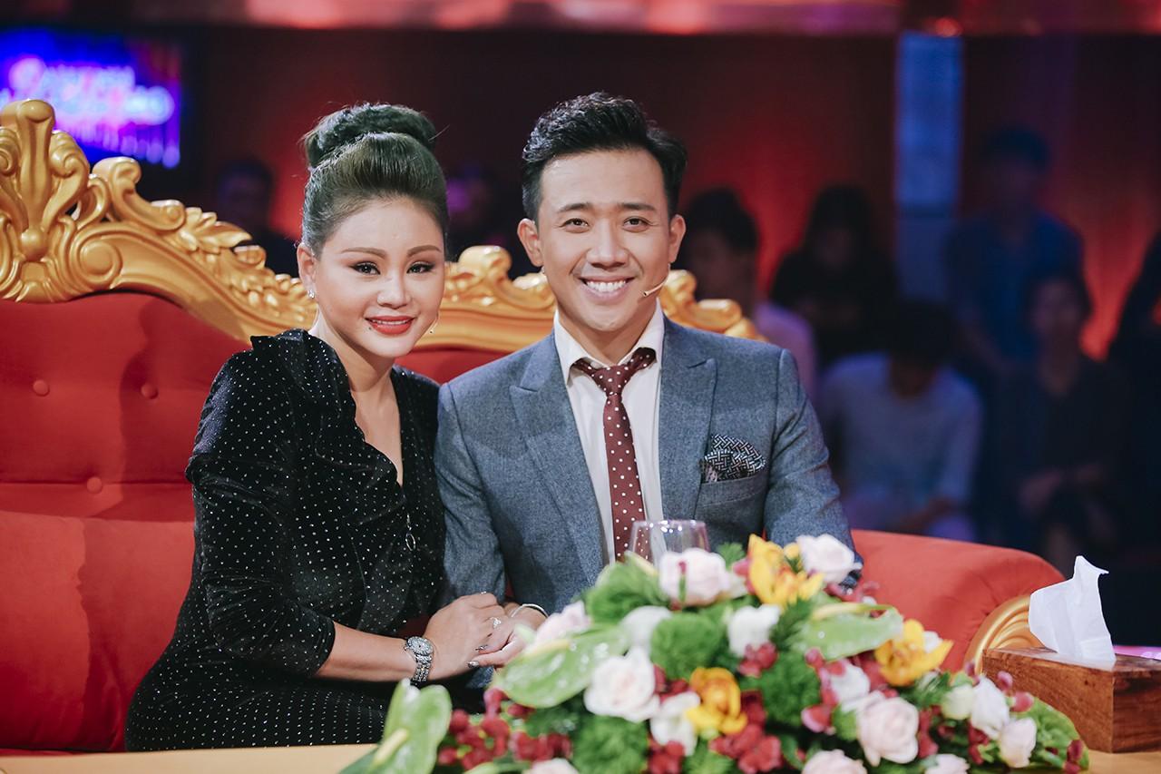 """Dự sinh nhật Trấn Thành, nữ danh hài được Hoài Linh đòi cưới """"chiếm sóng"""" vì vòng 1 quá """"khủng"""" - 4"""