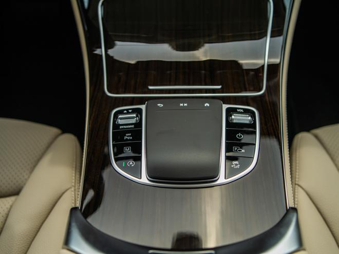 Mercedes-Benz GLC 200 và GLC 200 4matic mới ra mắt thị trường Việt - 14