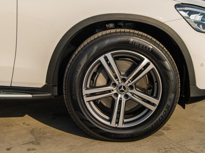 Mercedes-Benz GLC 200 và GLC 200 4matic mới ra mắt thị trường Việt - 10