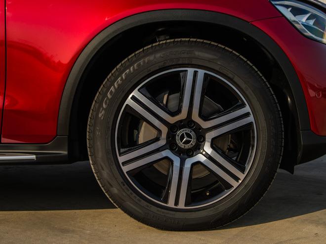 Mercedes-Benz GLC 200 và GLC 200 4matic mới ra mắt thị trường Việt - 11