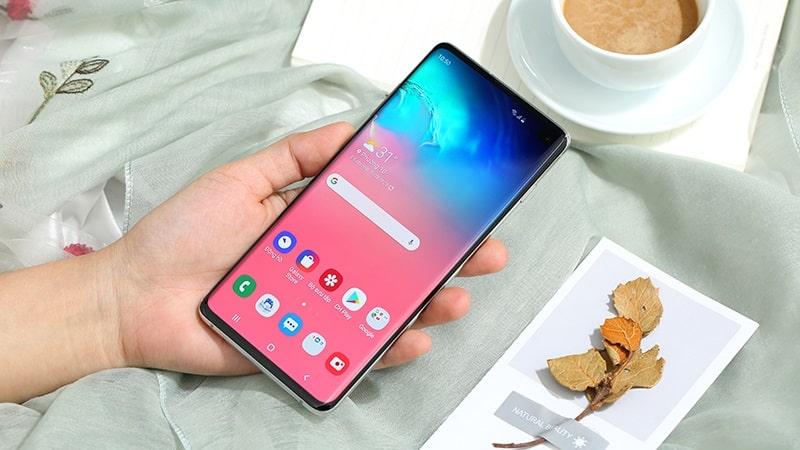 """Đây là 4 smartphone cao cấp nhưng giá đã xuống mức """"bình dân"""" rất dễ mua - 1"""