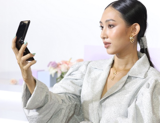 Điện thoại màn hình gập Samsung Galaxy Z Flip có giá 36 triệu đồng tại Việt Nam - 2