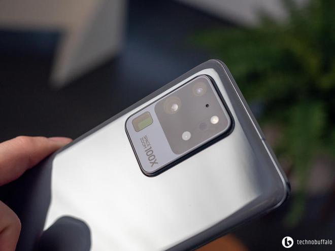 """So sánh nhanh hai """"người khổng lồ"""" Galaxy S20 Ultra và Galaxy Note 10+ - 4"""