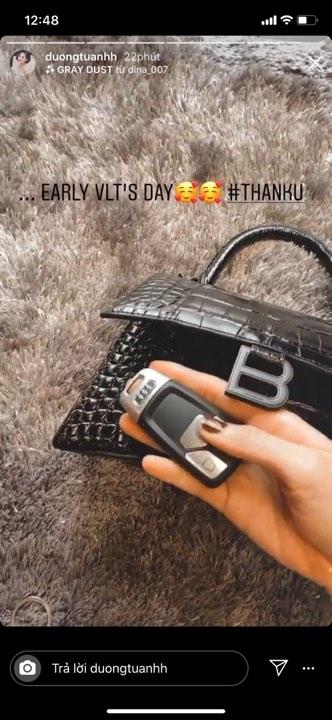 Chiếc túi này có gì đặc biệt khiến Tú Anh lẫn vợ Justin Bieber mê tít? - 2