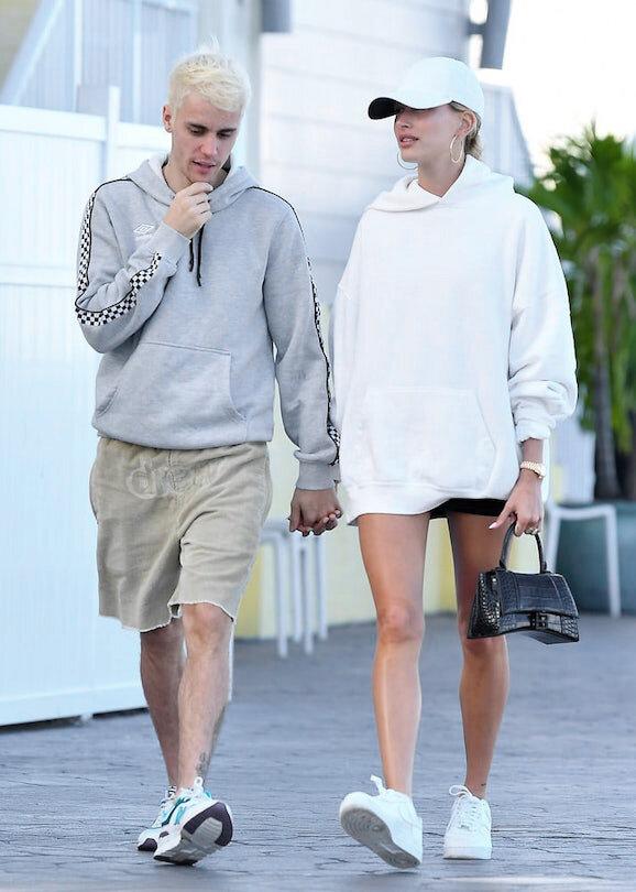 Chiếc túi này có gì đặc biệt khiến Tú Anh lẫn vợ Justin Bieber mê tít? - 4