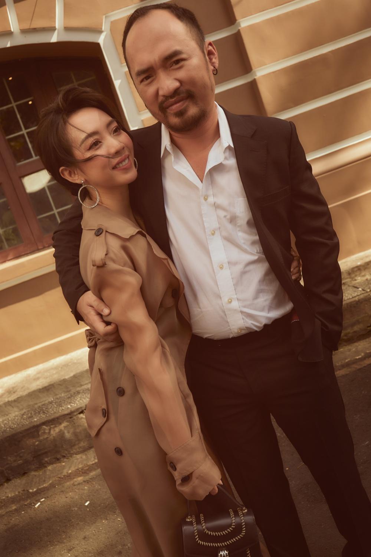 Đám cưới Thu Trang, Tiến Luật 9 năm trước: Phát sinh 15 bàn, người dân bỏ hết việc dự tiệc - 2