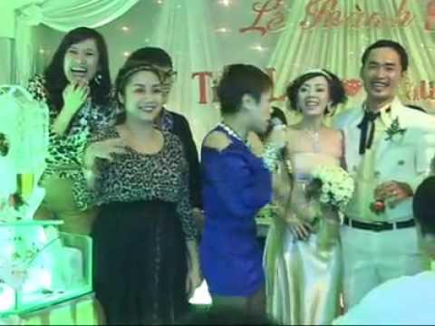 Đám cưới Thu Trang, Tiến Luật 9 năm trước: Phát sinh 15 bàn, người dân bỏ hết việc dự tiệc - 6