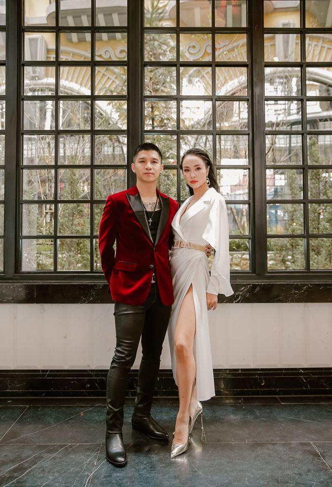 Quà Valentine của hoa, á hậu Việt: Nhẫn kim cương, túi hiệu, hoa hồng - 7