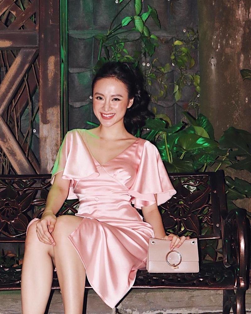 Kiểu trang điểm bị chê già nua để cố nổi bật của Angela Phương Trinh - 3