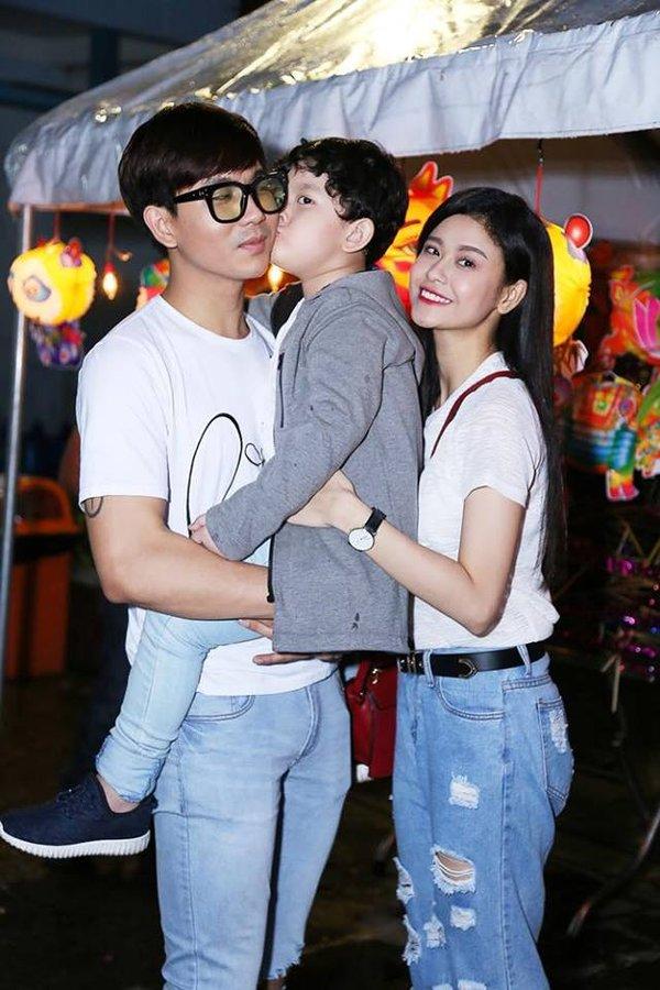 Sau ly hôn, Trương Quỳnh Anh hở bạo khoe vòng 1, chồng cũ lại bị chê bai thế này - 1