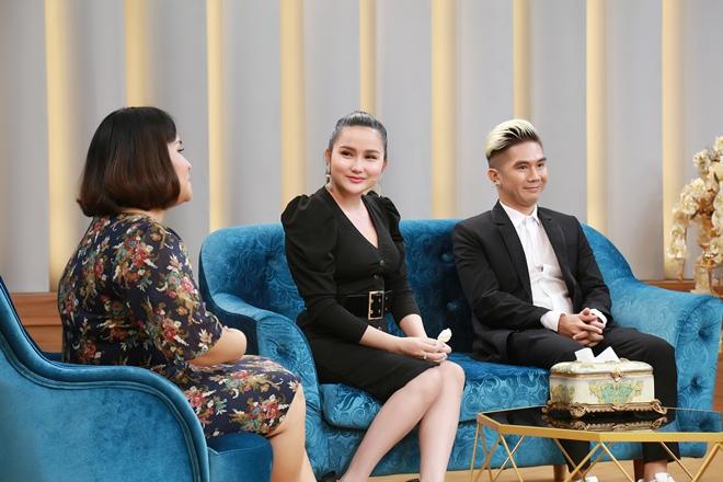 """Vợ trẻ hơn 8 tuổi của Khánh Đơn từng """"lăn tăn"""" khi chồng nuôi cả bố vợ cũ - 3"""