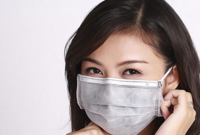 Bác sỹ chỉ cách chống mụn và dị ứng do đeo khẩu trang - 1