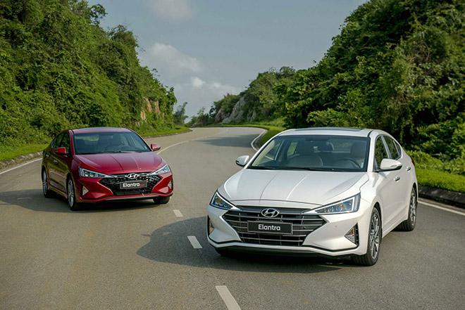 Nhìn qua vài điểm thay đổi trên mẫu xe Hyundai Elantra so với phiên bản cũ? - 1