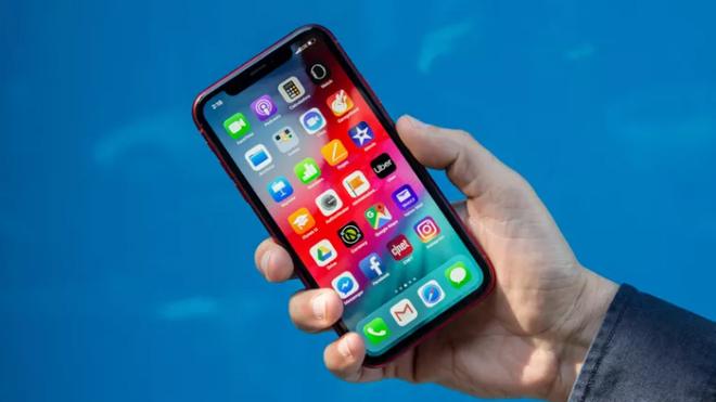 Cùng có giá 16 triệu, nên chọn iPhone XR hay iPhone 8 Plus - 2