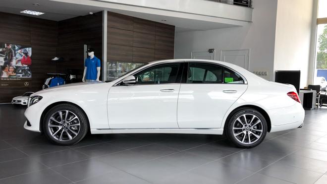 Mercedes-Benz E200 Exclusive giá 2,29 tỷ đồng vừa ra mắt tại Việt Nam - 4