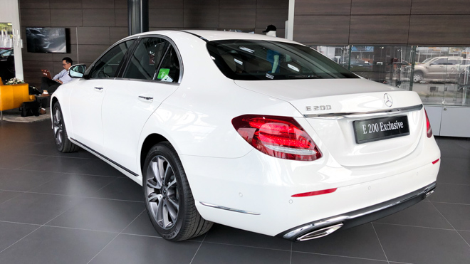 Mercedes-Benz E200 Exclusive giá 2,29 tỷ đồng vừa ra mắt tại Việt Nam - 6