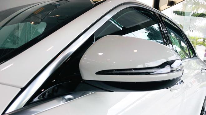 Mercedes-Benz E200 Exclusive giá 2,29 tỷ đồng vừa ra mắt tại Việt Nam - 9