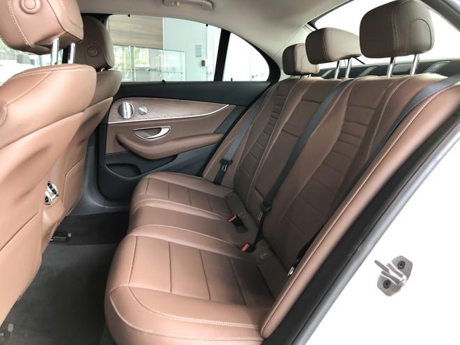 Mercedes-Benz E200 Exclusive giá 2,29 tỷ đồng vừa ra mắt tại Việt Nam - 13
