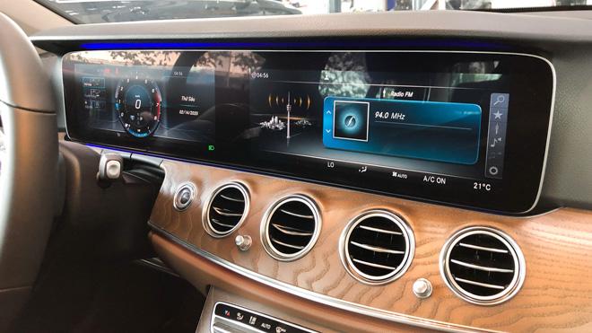Mercedes-Benz E200 Exclusive giá 2,29 tỷ đồng vừa ra mắt tại Việt Nam - 12