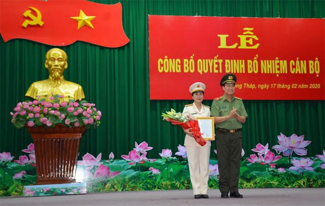 Nóng 24h qua: Nữ thượng tá 43 tuổi làm Phó Giám đốc Công an tỉnh Đồng Tháp