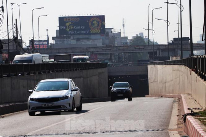 Cận cảnh nút giao thông 3 tầng giải tỏa kẹt xe cửa ngõ Sài Gòn sắp hoàn thành - 6