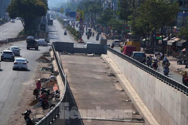 Cận cảnh nút giao thông 3 tầng giải tỏa kẹt xe cửa ngõ Sài Gòn sắp hoàn thành - 12