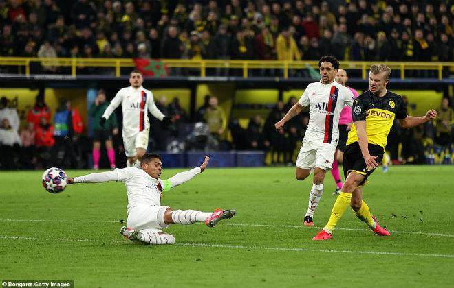 """""""Sát thủ"""" Haaland gieo rắc ác mộng cho Neymar - Mbappe cúp C1 - 11"""