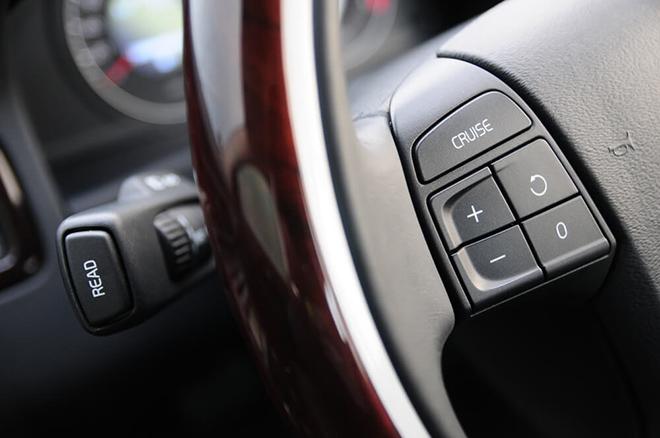 Hệ thống kiểm soát hành trình trên ô tô hỗ trợ gì cho tài xế? - 1