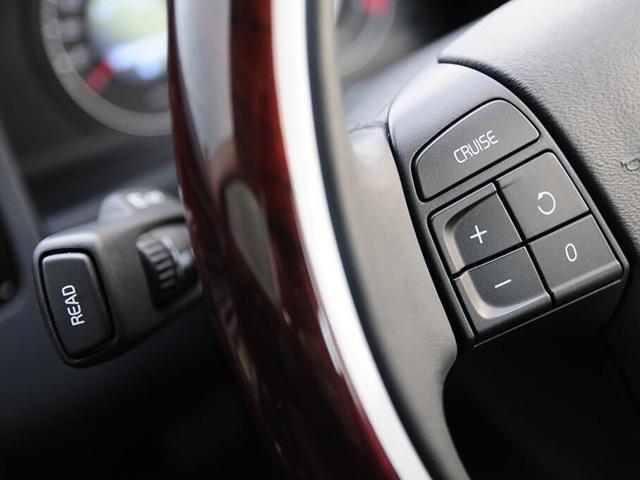 Hệ thống kiểm soát hành trình trên ô tô hỗ trợ gì cho tài xế?