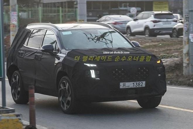 Hyundai Santa Fe 2021 lộ diện ngoại hình trên đường chạy thử - 1