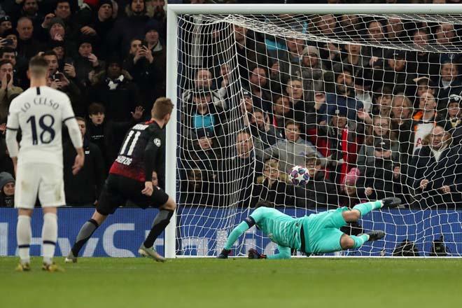 """Rực lửa vòng 1/8 Cúp C1: Mourinho """"cạn lời"""" với trò cưng, ngựa ô Italia sải bước - 8"""