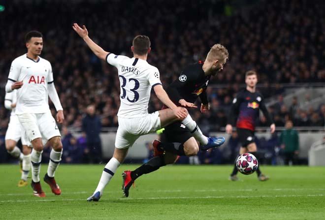 """Rực lửa vòng 1/8 Cúp C1: Mourinho """"cạn lời"""" với trò cưng, ngựa ô Italia sải bước - 6"""