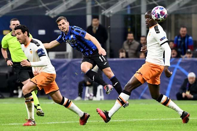 """Rực lửa vòng 1/8 Cúp C1: Mourinho """"cạn lời"""" với trò cưng, ngựa ô Italia sải bước - 14"""