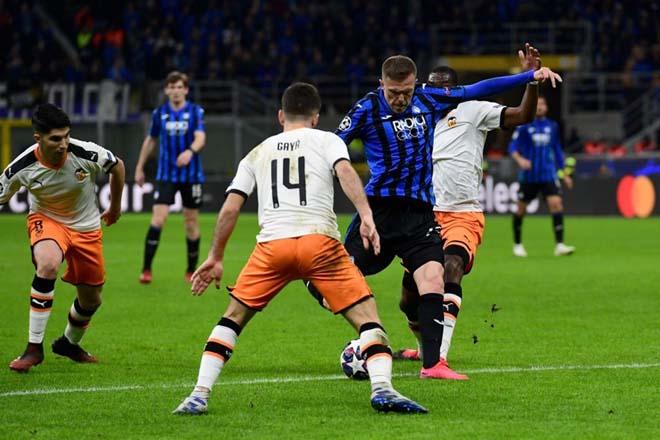 """Rực lửa vòng 1/8 Cúp C1: Mourinho """"cạn lời"""" với trò cưng, ngựa ô Italia sải bước - 13"""