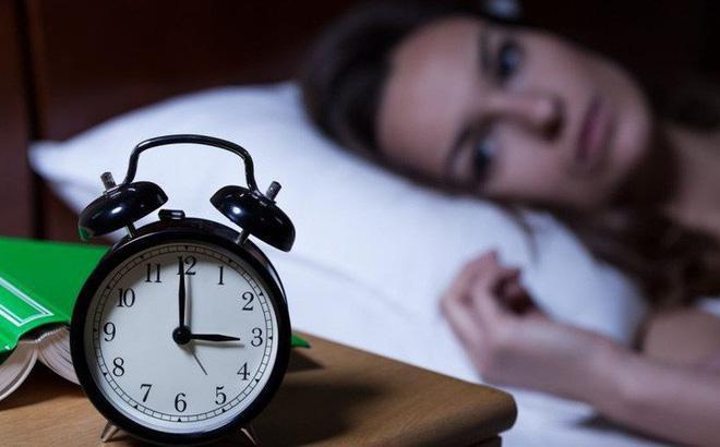Không thiếu ngủ mà vẫn ngáp, dấu hiệu cảnh báo nhiều bệnh hiểm nghèo - 2