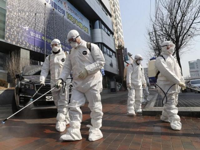 """Covid-19: Điều gì trong nhà thờ ở Hàn Quốc gây nên trường hợp """"siêu lây nhiễm""""?"""