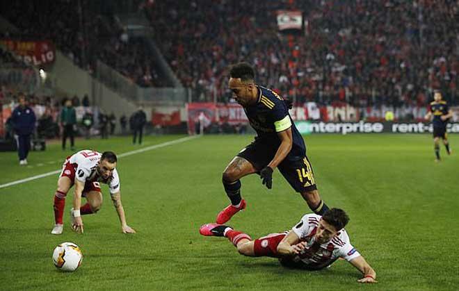 Rực lửa lượt đi vòng 1/16 Europa League: MU, Arsenal phải cảm ơn người Pháp - 10