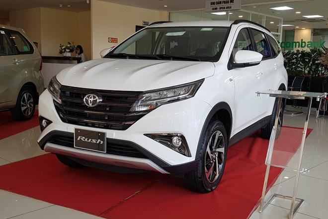 Toyota Rush giảm giá 30 triệu đồng cạnh tranh với Xpander và Ertiga - 1
